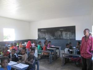 Salle de classe réhabilitée Ranohira bas